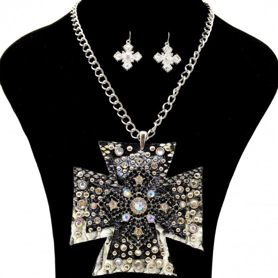 Western rhinestone large leather pendant chain necklace for Wholesale cowgirl bling jewelry